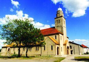Kliknij, aby powiększyć opis: Kościół pw. Matki Boskiej Bolesnej w Żędowicach rozmiar: 1,87 KB pobrań: 11715 data: 2005-06-17 13:24:42